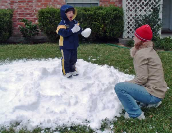 Kids Enjoy Texas Snow